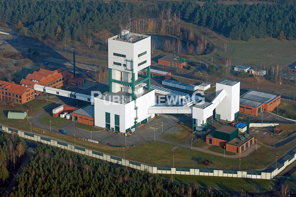 Luftaufnahme des Gel&auml;ndes des Bergwerks zur Erkundung eines Endlagers f&uuml;r hochradioaktiven Atomm&uuml;ll in Gorleben<br /> <br /> Ort: Gorleben<br /> Copyright: Andreas Conradt<br /> Quelle: PubliXviewinG