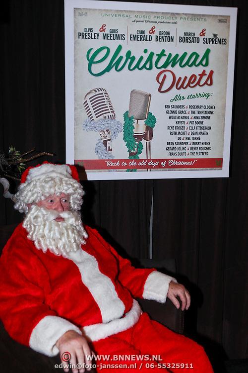 NLD/Hilversum/20111118 - Presentatie cd Christmas Duets, dee kerstman