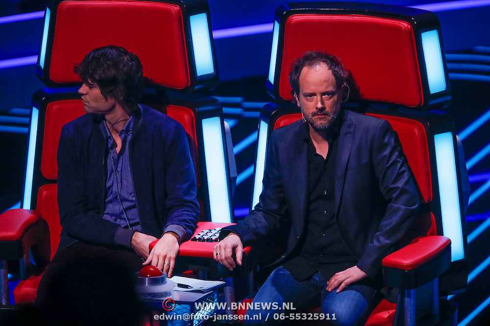 NLD/Hilversum/20121123 - 3de liveshow The Voice of Holland, Simon Keizer en Gordon Grootherder