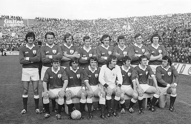 Galway team before the All Ireland Senior Gaelic Football Championship Final Dublin V Galway at Croke Park on the 22nd September 1974. Dublin 0-14 Galway 1-06.<br /> G Mitchell (capt), J Waldron, J Cosgrove, B Colleran, L O'Neill, T J Gilmore, J Hughes, W Joyce, M Rooney, T Naughton, J Duggan, P Sands, C McDonagh, L Sammon, J Tobin, Sub J Burke for C McDonagh.