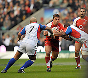 Twickenham, GREAT BRITAIN, Lee MEARS goes for the gap, during the Investic Challenge, England vs Pacific Islanders, at Twickenham Stadium, Surrey on Sat 08.11.2008 [Photo, Peter Spurrier/Intersport-images]
