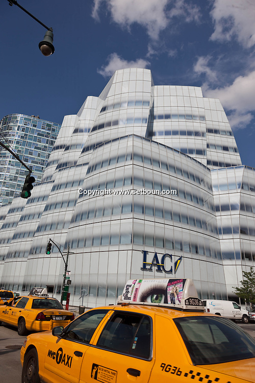 New York: Chelsea district,   IAC building . by the architect Frank Gehry . design for InterActiveCorp s New York headquarters, built on the West Side Highway near the Chelsea Piers complex.Ship of Glass for Chelsea Waterfront  - Manhattan