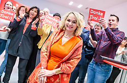 25.02.2018, Innsbruck, AUT, Landtagswahl in Tirol 2018, im Bild Spitzenkandidatin Elisabeth Blanik (SPOe) während der ersten offiziellen Bekanntgabe der Hochrechnung // during for the State election in Tyrol 2018. Innsbruck, Austria on 2018/02/25. EXPA Pictures © 2018, PhotoCredit: EXPA/ JFK