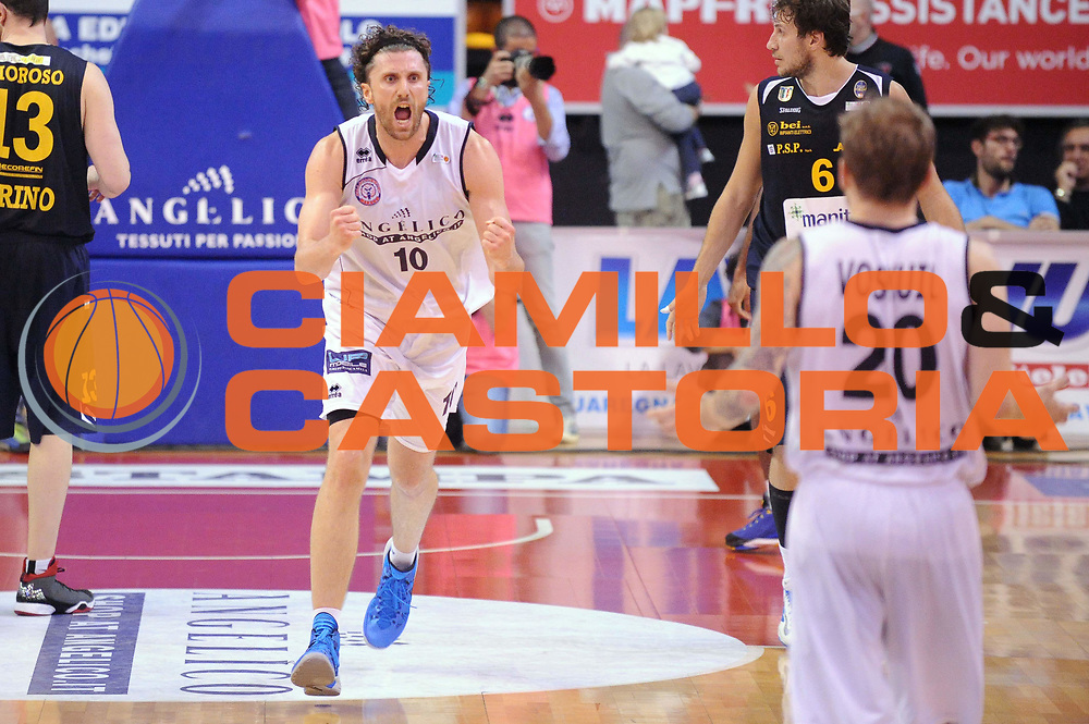 DESCRIZIONE : Biella LNP DNA Adecco Gold 2013-14 Angelico Biella Manital Torino Playoff Quarti di Finale<br /> GIOCATORE : Luca Infante<br /> CATEGORIA : Esultanza<br /> SQUADRA : Angelico Biella<br /> EVENTO : Campionato LNP DNA Adecco Gold 2013-14<br /> GARA : Angelico Biella Manital Torino<br /> DATA : 04/05/2014<br /> SPORT : Pallacanestro<br /> AUTORE : Agenzia Ciamillo-Castoria/Max.Ceretti<br /> Galleria : LNP DNA Adecco Gold 2013-2014<br /> Fotonotizia : Biella LNP DNA Adecco Gold 2013-14 Angelico Biella Manital Torino Playoff Quarti di Finale<br /> Predefinita :