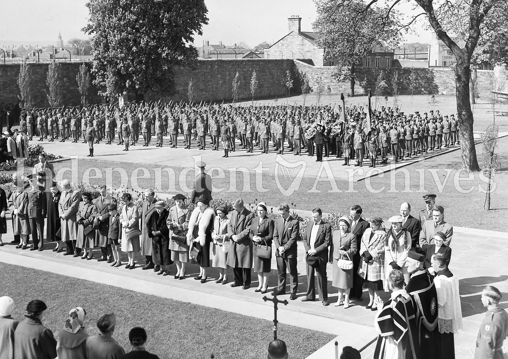 R1946<br /> On May 6, 1959, a 1916 Commemoration ceremony was held at Arbor Hill. It was attended by the President and the Taosieach, as well as 500 troops of the 2nd Brigade. After the Mass a procession moved to the Memorial at the back of the church where the Benedictus was chanted by the clergy, the Last Post sounded and De Profundis was recited, after which the Tricolour was flown at full mast. <br /> (Part of the Independent Newspapers Ireland/NLI Collection)