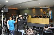 CURITIBA, PR,03.08.2015 –  COLETIVA IMPRENSA LAVA-JATO / CURITIBA – Imprensa durante a coletiva de imprensa da décima sétima fase da operação Lava-Jato na manhã desta segunda-feira,03, na sede da Policia Federal em Curiitba ( Foto: Paulo Lisboa / Brazil Photo Press)