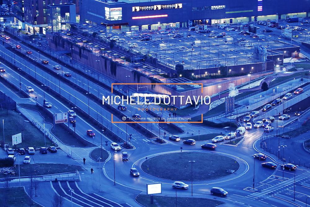 Torino, Spina 3  Centro Commerciale Dora  parcheggio del cinema  mutisala THESPACE *** Local Caption ***
