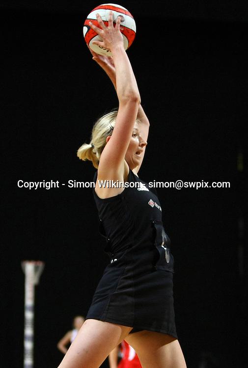 PICTURE BY VAUGHN RIDLEY/SWPIX.COM...Netball - International Netball Series - England v New Zealand - MEN Arena, Manchester, England - 15/01/11...New Zealand's Camilla Lees.