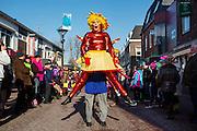 In Zevenaar wordt de jaarlijkse carnavalsoptocht gehouden. Zevenaar heet tijdens het carnaval Boemelburcht.<br /> <br /> The traditional carnival parade in Zevenaar, a town in the eastern part of The Netherlands.