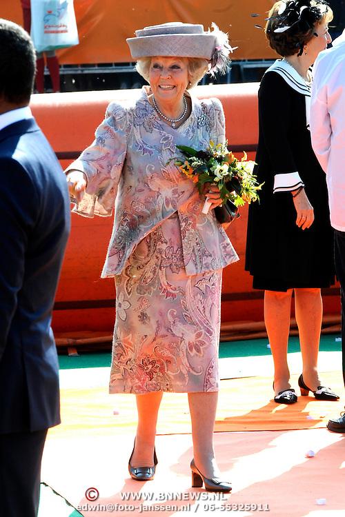 Koningsdag 2014 in de Rijp, het vieren van de verjaardag van de koning. / Kingsday 2014 in the Rijp , celebrating the birthday of the King. <br /> <br /> <br /> Op de foto / On the photo:   Prinses Beatrix / Princess Beatrix