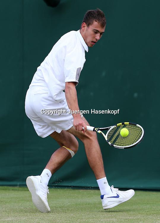 Wimbledon Championships 2012 AELTC,London,.ITF Grand Slam Tennis Tournament,.Jerzy Janowicz (POL), Aktion,,Einzelbild,Ganzkoerper, Hochformat,