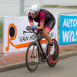 02-09-2014: Wielrennen: Ladiestour Tiel: Tiel<br /> WIELRENNEN, Ladiestour, Tiel Ashlynn van Baarle (Zoetermeer)