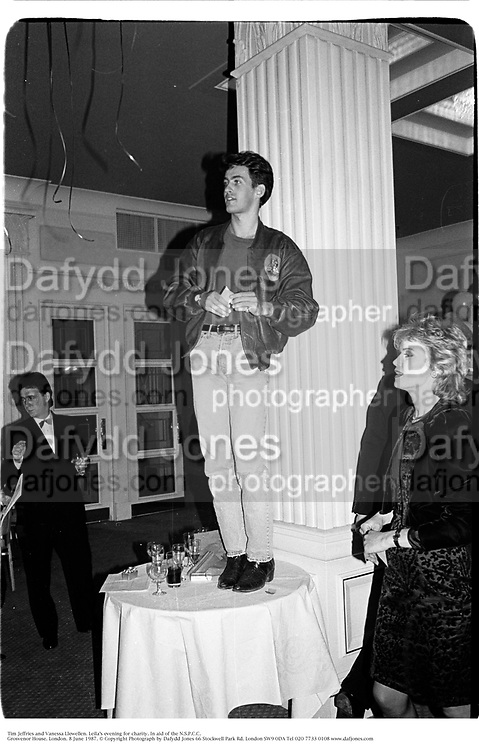 Tim Jeffries and Vanessa Llewellen. Leila's evening for charity. In aid of the N.S.P.C.C.  Grosvenor House. London. 8 June 1987. © Copyright Photograph by Dafydd Jones 66 Stockwell Park Rd. London SW9 0DA Tel 020 7733 0108 www.dafjones.com
