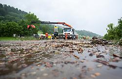 02.06.2013, B311, Hoegmoos, AUT, Pinzgau starke Regenfaelle, im Bild Aufraeumarbeiten beim Murenabgang an der B311 bei Hoegmoos. Die Strasse wurde fuer den Verkehr gesperrt. Starkregen sorgt derzeit vor allem in Tirol, Oberoesterreich und Salzburg für massive Überflutungen, Vermurungen und Hangrutsche // Parts of Pinzgau were declared a disaster area. Heavy rain is currently making, especially in Tyrol, Upper Austria and Salzburg for massive flooding, mudslides and landslides, Hoegmoos, Austria on 2013/06/02. EXPA Pictures © 2012, PhotoCredit: EXPA/ Juergen Feichter