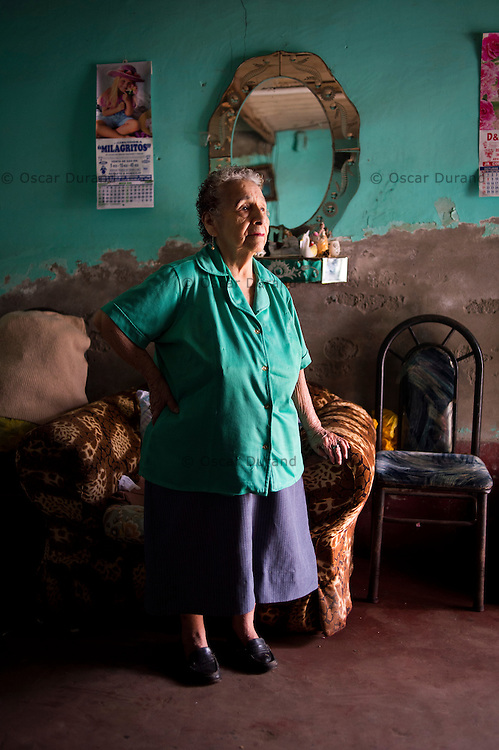 Description/Caption:<br /> Consuelo Prado, 86, from Chincha. She moved to El Ayllu when she was 12 or 13. She worked in the fields.
