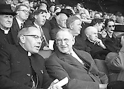 Neg No:.B541/5602-5627...4091960AISHCF...04.09.1960..All Ireland Senior Hurling Championship - Final...Wexford.2-15.Tipperary.0-11..
