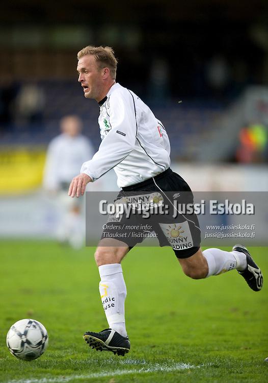 Valeri Popovitsh. Haka - KuPS. Veikkausliiga 5.5.2008. Valkeakoski. Photo: Jussi Eskola