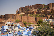 'The Blue City', Jodhpur overlooked by the hilltop Mehrangarh Fort, Jodhpur, Rajasthan, India