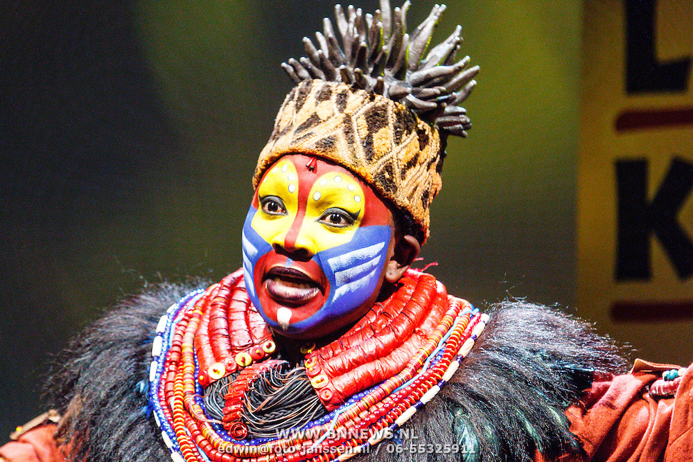 NLD/Amsterdam/20160216 - Musical The Lion King is terug!, cast, Rafiki