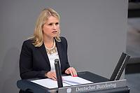 24 MAR 2017, BERLIN/GERMANY:<br /> Verena Bentele, Beauftragte der Bundesregierung<br /> für die Belange von Menschen mit Behinderungen, haelt eine Rede, waehrend der Bundestagesdebatte zum Teilhabebericht der Bundesregierung 2016, Plenum, Deutscher Bundestag<br /> IMAGE: 20170324-01-060