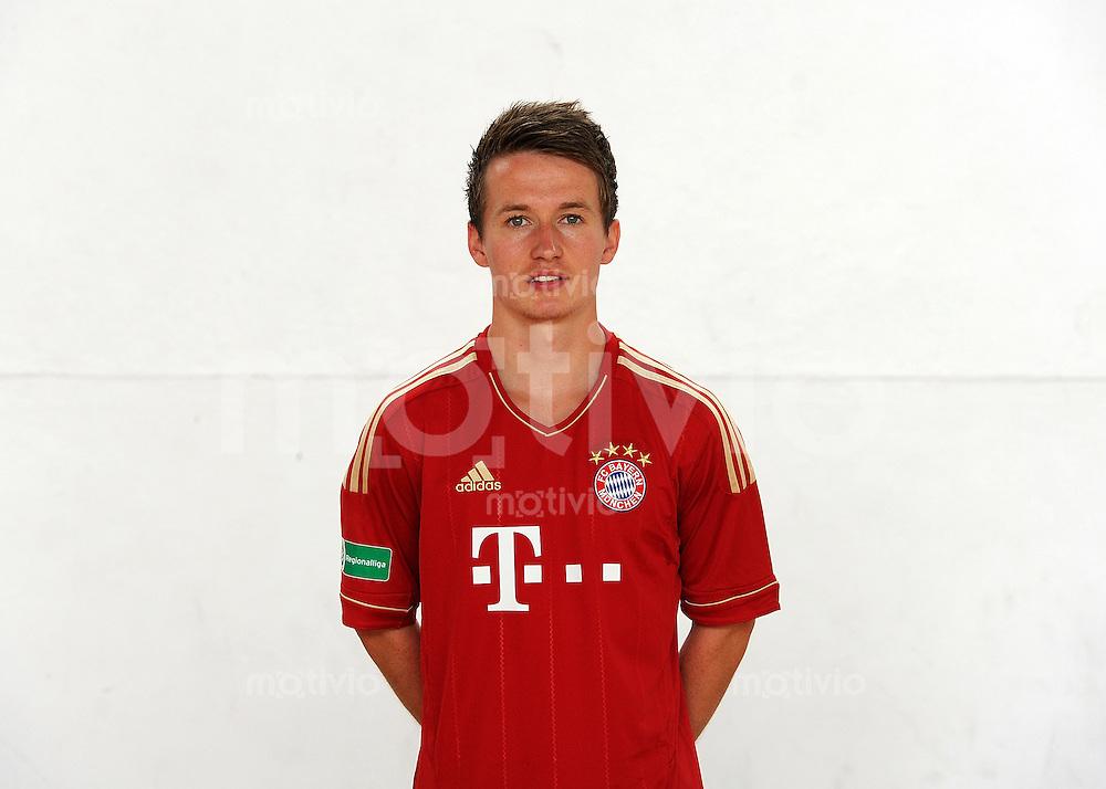 FUSSBALL  Regionalliga Sued     SAISON  2011/2012     22.07.2011 Fototermin beim  FC Bayern Muenchen II Daniel Steimel  (FC Bayern II)