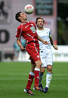 Fussball 2. Bundesliga:  Saison   2012/2013,    3. Spieltag  1. FC Kaiserslautern - TSV 1860 Muenchen   26.08.2012 Mathias Abel (li, 1. FC Kaiserslautern)  gegen Benjamin Lauth (1860 Muenchen)