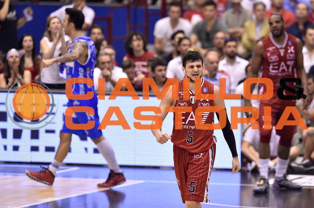 DESCRIZIONE : Milano Lega A 2014-15 EA7 Emporio Armani Milano vs Banco di Sardegna Sassari playoff Semifinale gara 7 <br /> GIOCATORE : Alessandro Gentile<br /> CATEGORIA : delusione<br /> SQUADRA : EA7 Emporio Armani Milano<br /> EVENTO : PlayOff Semifinale gara 7<br /> GARA : EA7 Emporio Armani Milano vs Banco di Sardegna SassariPlayOff Semifinale Gara 7<br /> DATA : 10/06/2015 <br /> SPORT : Pallacanestro <br /> AUTORE : Agenzia Ciamillo-Castoria/GiulioCiamillo<br /> Galleria : Lega Basket A 2014-2015 Fotonotizia : Milano Lega A 2014-15 EA7 Emporio Armani Milano vs Banco di Sardegna Sassari playoff Semifinale  gara 7 Predefinita :