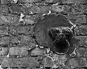 22.08.2008 Warszawa frgmenty starych kamienic na ul Mokotowskiej.Fot  Piotr Gesicki