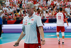 23-09-2019 NED: EC Volleyball 2019 Poland - Germany, Apeldoorn<br /> 1/4 final EC Volleyball Poland win 3-0 / Coach Vital Heynen of Poland