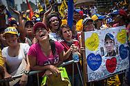 Simpatizantes del candidato opositor, Henrique Capriles Radonski durante la llamada marcha Heroica realizada en Caracas, Venezuela. 7 Abril 2013. (Foto/ivan gonzalez)