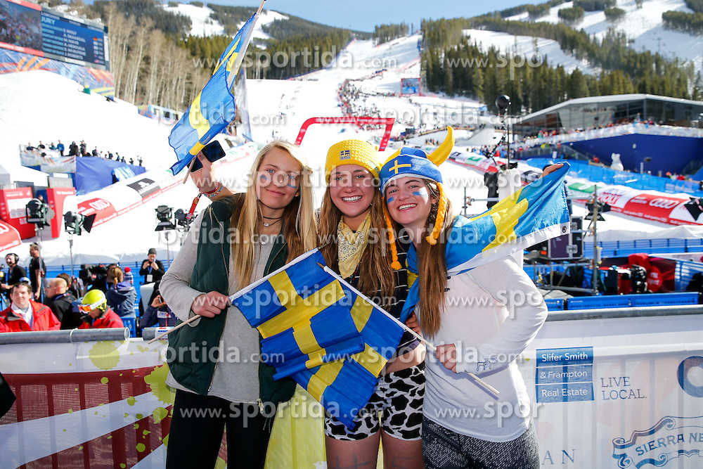 14.02.2015, Birds of Prey, Beaver Creek, USA, FIS Weltmeisterschaften Ski Alpin, Vail Beaver Creek 2015, Damen, Slalom, im Bild Schwedische Fans // Swedish Supporter during the ladie's Slalom of FIS Ski World Championships 2015 at the Birds of Prey in Beaver Creek, United States on 2015/02/14. EXPA Pictures &copy; 2015, PhotoCredit: EXPA/ SM<br /> <br /> *****ATTENTION - OUT of GER*****