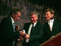Nordoff-Robbins HMVFE Dinner 2008 in honour of Denis Law