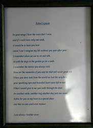 UK ENGLAND THAME 27AUG14 - Messages and poems of condolences sent following the death of Bee Gees singer Robin Gibb, on display at his home in Thame, Oxfordshire.<br /> <br /> jre/Photo by Jiri Rezac<br /> <br /> © Jiri Rezac 2014