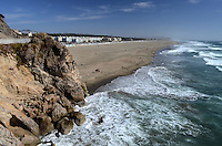 Ocean Beach, San Francisco, USA.  The Great Highway runs alongside the beach which skirts the Pacific Ocean.  The beach is more popular with surfers than tourists, bathers or swimmers because the water is cold and the area is susceptible to foggy weather. 201304302229<br /> <br /> Copyright Image from Victor Patterson, 54 Dorchester Park, Belfast, UK, BT9 6RJ<br /> <br /> Tel: +44 28 9066 1296<br /> Mob: +44 7802 353836<br /> Voicemail +44 20 8816 7153<br /> Skype: victorpattersonbelfast<br /> Email: victorpatterson@me.com<br /> Email: victorpatterson@ireland.com (back-up)<br /> <br /> IMPORTANT: If you wish to use this image or any other of my images please go to www.victorpatterson.com and click on the Terms & Conditions. Then contact me by email or phone with the reference number(s) of the image(s) concerned.