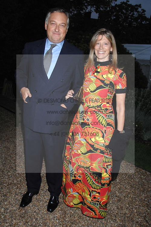 COUNT & COUNTESS EDMONDO di ROBILANT at the annual Cartier Chelsea Flower Show dinner held at the Chelsea Physic Garden, London on 21st May 2007.<br />