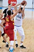 DESCRIZIONE : Skopje Nazionale Italia Uomini Torneo Internazionale di Skopje Italia Macedonia Italy FYROM<br /> GIOCATORE : Alessandro Gentile<br /> CATEGORIA : Passaggio<br /> SQUADRA : Italia Italy<br /> EVENTO : Trofeo Internazionale di Skopje<br /> GARA : Italia Macedonia Italy FYROM<br /> DATA : 26/07/2014<br /> SPORT : Pallacanestro<br /> AUTORE : Agenzia Ciamillo-Castoria/GiulioCiamillo<br /> Galleria : FIP Nazionali 2014<br /> Fotonotizia : Skopje Nazionale Italia Uomini Torneo Internazionale di Skopje Italia Macedonia Italy FYROM