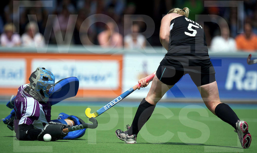 AMSTERDAM - Champions Trophy women.Australia vs New zealand.foto: katie Glynn (5). scores 1-0 voor New zealand..FFU Press Agency  COPYRIGHT FRANK UIJLENBROEK..
