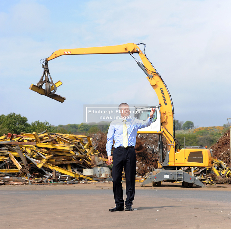 Willie Rennie, Inverkeithing, 12-5-2017<br /> <br /> Willie Rennie visited Robertson Metals Recycling LTD in Inverkeithing<br /> <br /> (c) David Wardle | Edinburgh Elite media