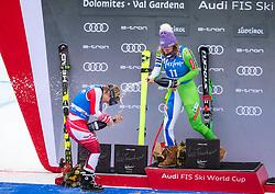 19.12.2018, Saslong, St. Christina, ITA, FIS Weltcup Ski Alpin, SuperG, Damen, Flower Zeremonie, im Bild v.l. Nicole Schmidhofer (AUT, 2. Platz), Ilka Stuhec (SLO, 1. Platz) // f.l. second placed Nicole Schmidhofer of Austria, race winner Ilka Stuhec of Slovenia during the Flowers ceremony for the ladie's Super-G of FIS Ski Alpine World Cup at the Saslong in St. Christina, Italy on 2018/12/19. EXPA Pictures © 2018, PhotoCredit: EXPA/ Johann Groder