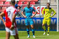 UTRECHT - 28-05-2017, FC Utrecht - AZ, Stadion Galgenwaard, teleurstelling, AZ speler Ron Vlaar, AZ keeper Tim Krul