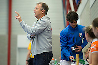 HEEMSKERK- Zaalhockey - Bloemendaal-Pinoke .  Coach Rutger Klein van Bloemendaal.  Copyright Koen Suyk