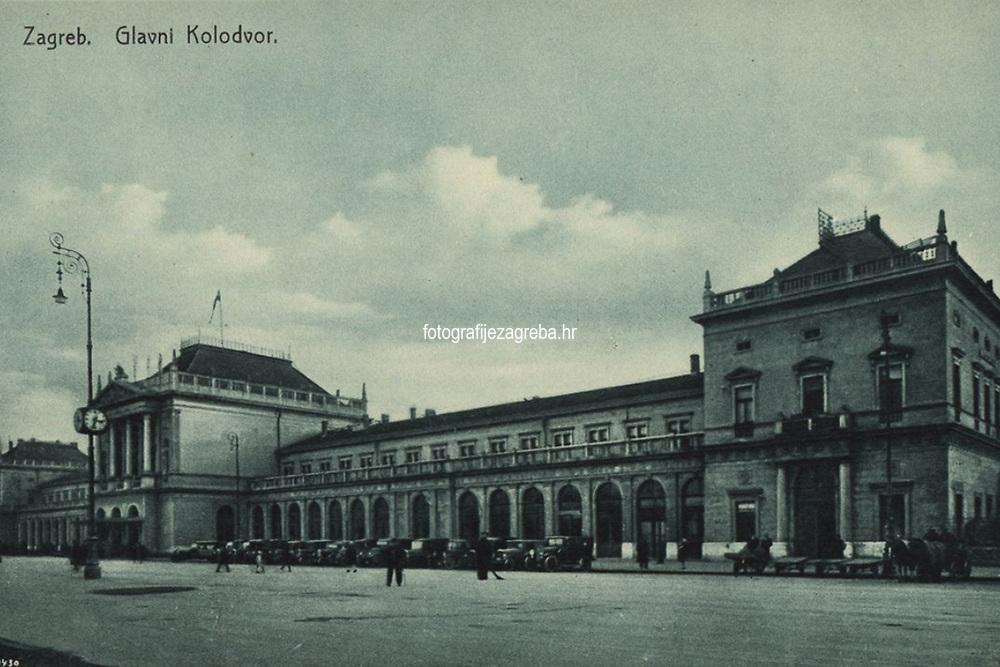 Zagreb : Glavni kolodvor. <br /> <br /> ImpresumZagreb : Knjižara i papirnica Kugli, Zagreb, [poslije 1924].<br /> Materijalni opis1 razglednica : tisak ; 9 x 14,1 cm.<br /> NakladnikKnjižara Stjepan Kugli (Zagreb)<br /> Mjesto izdavanjaZagreb<br /> Vrstavizualna građa • razglednice<br /> ZbirkaGrafička zbirka NSK • Zbirka razglednica<br /> Formatimage/jpeg<br /> PredmetZagreb –– Trg kralja Tomislava<br /> SignaturaRZG-TOM-54<br /> Obuhvat(vremenski)20. stoljeće<br /> NapomenaRazglednica nije putovala.<br /> PravaJavno dobro<br /> Identifikatori000953717<br /> NBN.HRNBN: urn:nbn:hr:238:224462 <br /> <br /> Izvor: Digitalne zbirke Nacionalne i sveučilišne knjižnice u Zagrebu