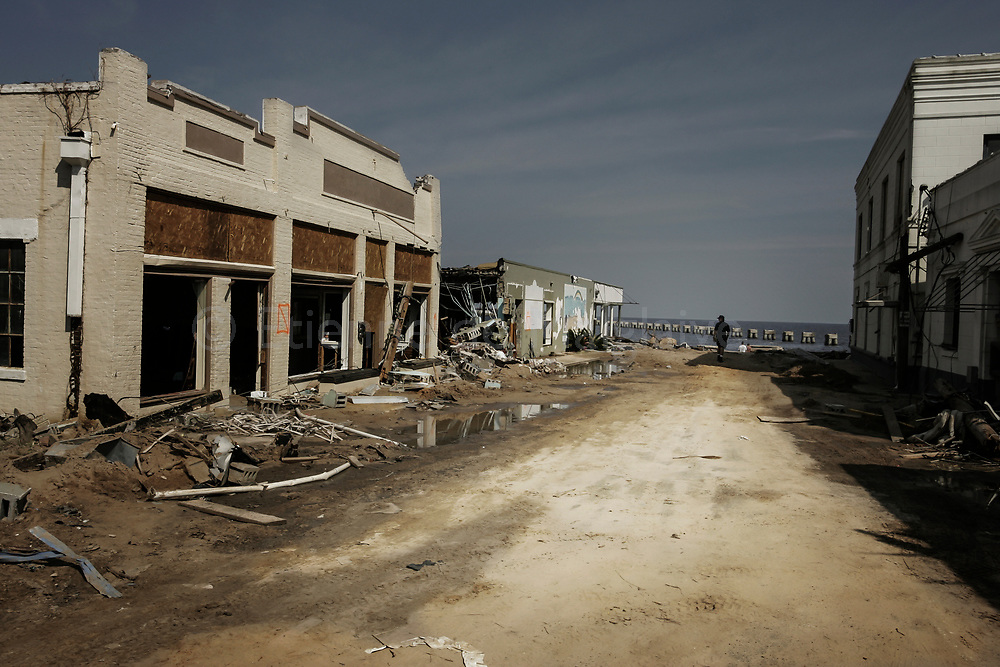 Ravaged seaside area of Bay Saint Louis, Mississippi. 06 September 2005.
