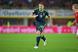VIENNA, AUSTRIA - Thursday, October 6, 2016: Wales' Sam Vokes in action against Austria during the 2018 FIFA World Cup Qualifying Group D match at the Ernst-Happel-Stadion. (Pic by David Rawcliffe/Propaganda)