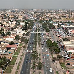 Vista aérea da cidade Luanda, capital de Angola. Avenida Deolinda Rodriques