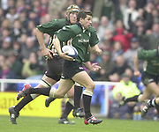 14/04/2002.Sport - Rugby Union.Madjeski Stadium - Reading.Zurich Premiership.London Irish vs Harlequins.Barry Everitt charges the Quins line....