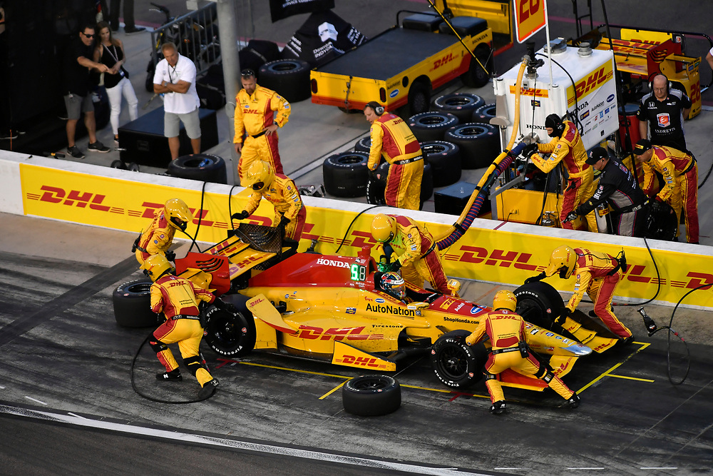 Verizon IndyCar Series<br /> Desert Diamond West Valley Phoenix Grand Prix<br /> Phoenix Raceway, Avondale, AZ USA<br /> Saturday 29 April 2017<br /> Ryan Hunter-Reay, Andretti Autosport Honda pit stop<br /> World Copyright: Scott R LePage<br /> LAT Images<br /> ref: Digital Image lepage-170429-phx-3583