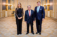 21-12-2017 DEN HAAG -  Koning Willem-Alexander en Majesteit Koningin Maxima bieden de secretaris-generaal van de Verenigde Naties, de heer Ant&oacute;nio Guterres, donderdagavond 21 december een diner aan op Paleis Noordeinde. Eerder op de dag biedt minister-president Rutte de heer Guterres een lunch aan namens de regering op het ministerie van Algemene Zaken. Secretaris-generaal Guterres bezoekt Nederland op donderdag 21 en vrijdag 22 december. Aanleiding voor zijn tweedaagse bezoek is de sluitingsceremonie van het Joegoslavi&euml;tribunaal van de Verenigde Naties (ICTY, The International Criminal Tribunal for the former Yugoslavia). ROBIN UTRECHT<br /> <br /> 21-12-2017 THE HAGUE - King Willem-Alexander and Majesty Queen Maxima offer the Secretary-General of the United Nations, Mr Ant&oacute;nio Guterres, a dinner at Noordeinde Palace on Thursday evening, December 21st. Earlier in the day, Prime Minister Rutte offered Mr Guterres a lunch on behalf of the government at the Ministry of General Affairs. Secretary General Guterres visits the Netherlands on Thursday 21 and Friday 22 December. The occasion for his two-day visit is the closing ceremony of the International Criminal Tribunal for the former Yugoslavia (ICTY, The International Criminal Tribunal for the Yugoslavia). ROBIN UTRECHT