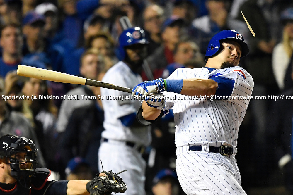 CHICAGO, IL - OCTOBER 28: Chicago Cubs left fielder Kyle Schwarber (12) breaks his bat and flies out during the eighth inning of the 2016 World Series Game 3 between the Cleveland Indians and the Chicago Cubs on October 28, 2016, at the Wrigley Field in Chicago, IL. Indians won 1-0. (Photo by Patrick Gorski/Icon Sportswire)