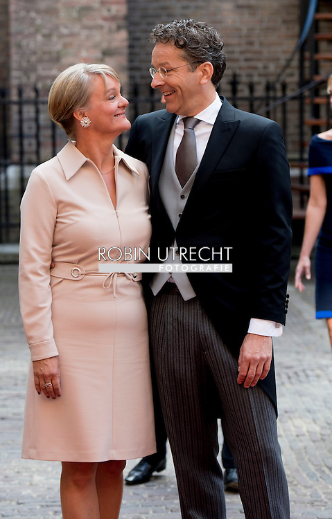 Minister Jeroen Dijsselbloemvan Financien bij aankomst op het Binnenhof  met zijn vrouw ROBIN UTRECHT